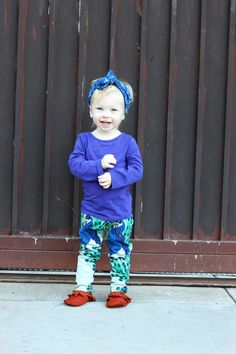 How cute is this toddler outfit? Those peacock leggings are to die for!