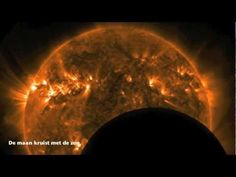 Een reis door ons zonnestelsel - A trip around our solar system - YouTube