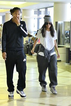 Future and Ciara spotted at JFK. I really love this casual look. So glad I can be comfy & casual and my husband still adore me!