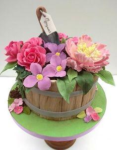 Gardening birthday cake by The Rosehip Bakery