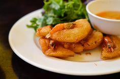 Bánh Tôm, frittierte Garnelenküchlein, Vietnam Streetfood © Ariane Bille