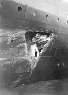 gaping hole in the side of the RMS OlympicYou can find Rms titanic and more on our website.gaping hole in the side of the RMS Olympic Rms Titanic, Titanic Wreck, Titanic Photos, Titanic History, Aladdin, Bottom Of The Ocean, Abandoned Ships, Civil War Photos, Gaping Hole