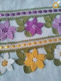 This Pin was discovered by HUZ Crochet Towel, Crochet Lace, Macrame Toran, Crochet Designs, Crochet Patterns, Magia Do Crochet, Crochet Borders, Crochet Videos, Beautiful Crochet
