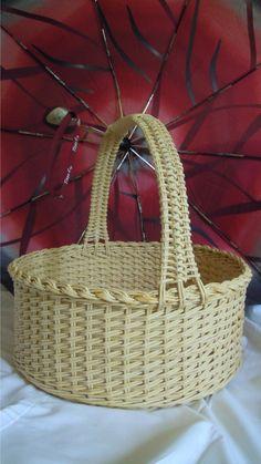 Это послойное плетение... Стойки - две трубочки, и рабочие трубочки тоже двойные
