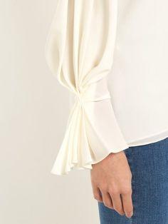 Sleeves Designs For Dresses, Dress Neck Designs, Stylish Dress Designs, Sleeve Designs, Stylish Dresses, Pakistani Fashion Party Wear, Abaya Fashion, Muslim Fashion, Modest Fashion