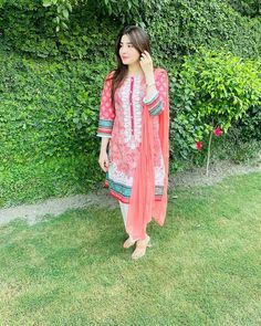 Cute Girl Poses, Cute Girls, Photography Poses, Kimono Top, Cover Up, Collection, Poetry, Tops, Dresses