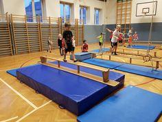 Die Vorgeschichte Ja immer nur Ballspielen geht auch nicht... Übungsaufbau Die Kinder sollten gemeinsam 6 Stationen aufbauen, die nich...