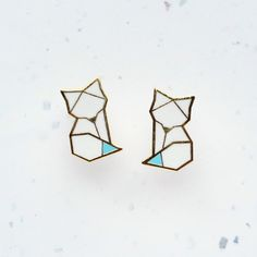 Hug A Porcupine Arctic Fox Origami Stud Earrings (52 BAM) ❤ liked on Polyvore featuring jewelry, earrings, animal earrings, origami earrings, origami jewelry, animal jewelry and earring jewelry