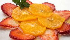 Receta de Carpaccio de naranja y fresa - Eva Arguiñano Healthy Desserts, Dessert Recipes, Healthy Recipes, Healthy Food, Cocina Light, Grapefruit, Cantaloupe, Pineapple, Orange