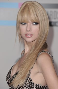 Taylor Swift Debuts New Sexy Grown Up Look At American Music Awards Estilo Taylor Swift, Taylor Swift Hot, Photos Of Taylor Swift, Divas, Non Plus Ultra, Glamour, Celebs, Celebrities, Taylors