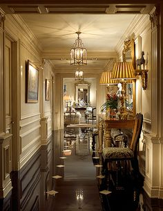 gorgeous formal hallway in polished black marble with creamy mill work. Inspiration for foyer! Design Entrée, Floor Design, House Design, Design Ideas, Hall Design, Style At Home, Beautiful Interiors, Beautiful Homes, Beautiful Life