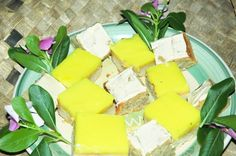 Monthly World Food Feature: Fijian Banana Cake Recipe. A party without banana cake in Fiji is like no party at all. Here is the recipe for people! Asian Recipes, Gourmet Recipes, Healthy Recipes, Ethnic Recipes, Banna Cake, Fiji Food, Cake Recept, World Recipes, No Bake Cake