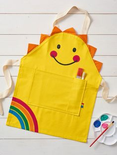 Kid's apron sewing pattern | Mollie Makes 78
