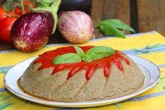 Un papeton d'aubergines : un nom qui me disait quelque chose mais je n'en avais jamais réalisé. Lorsque j'ai vu la recette de Michele, je me suis dite il faut que j'essaie. C'est la pleine saison des courgettes, je les ai choisies bios car j'ai conservé la peau.