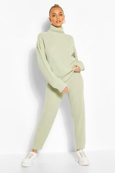 Womens Turtle Neck Knitted Jogger Lounge Set - Green - S Turtleneck Outfit, Jumper Outfit, Turtle Neck Dress Outfit, Sequin Sweater, Sweater Set, Outfits Otoño, Fashion Outfits, Fall Outfits, Pijamas Women