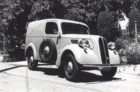 1952_Ford_Anglia-thm