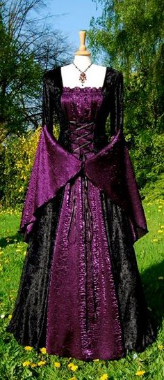 43 Best Dresses Images Medieval Dress Medieval Gown