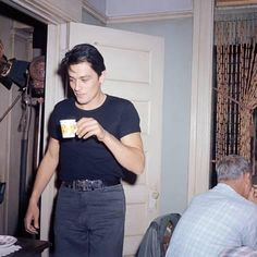 Photo: Alain Delon : 16x16in