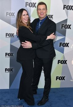 Welcome to the cast: While on the blue carpet at the Fox upfronts, she got in a bit of posing with her new co-star Peter Krause, who plays a fire department caption called Bobby Nash Series Movies, Movies And Tv Shows, Tv Series, Parenthood Tv Show, Peter Krause, Fox Tv Shows, Connie Britton, Jennifer Love Hewitt, Chris Pine