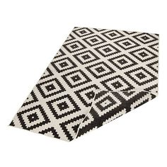 The Twin Malta Reversible Indoor & Outdoor rugs are Polypropylene Machine Woven in Belgium floor coverings that have a thickness and a weight of These rugs are suitable for use both indoors and outdoors, being both hardwearing and Malta, Indoor Outdoor Rugs, Modern Rugs, Retro, Rugs On Carpet, Carpets, Twins, Weaving, Rustic