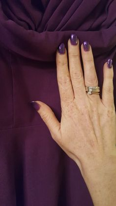 Matching dress and nails or do they?? purple glitter gradient on colour change purple to neon pink