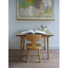 vintage schooltafeltje met stoel (Schilte) | www.mevrouwdeuil.nl