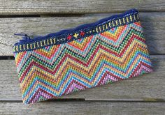 Lille broderet pung / Small embroidered purse - Petronella Design
