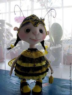 Кукла Пчела.. Забавная пчёлка, напоминание о лете которого всегда не хватает в холодные зимние дни.