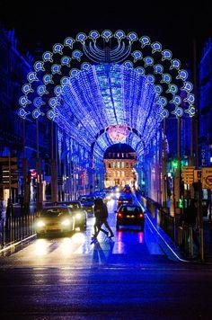 Rue faidherbe à Lille. Noël 2012 dans le cadre de Lille 3000