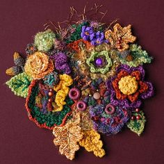 Here are some fun autumn themed crochet pieces I've come across in my searches!      This fun Thanksgiving doily is from crochetdoilies.com....