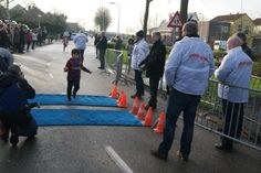 Giovanni Meijer wint de peuterloop