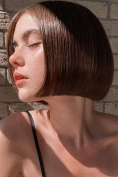 This is it ladies! The cutest blunt cut bob haircuts are right here. Click here to see them before your next haircut! (Photo credit IG @jhair_stylist) Short Hair Cuts, Short Hair Styles, Blunt Bob Haircuts, Blunt Cuts, Curtain Bangs, Latest Hairstyles, Face Shapes, Hair Looks, Photo Credit