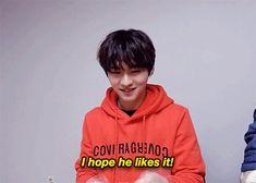 Minho making good for Seungmin 5/5
