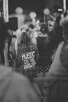 Image about girl in the grunge side👽 by lost girl Estilo Grunge, Techno, Hippie Music, Music Factory, Young Wild Free, Inked Men, Lost Girl, Monochrome Photography, White Photography