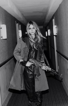 27 Ideas for fashion girl photography cara delevingne Delevigne Cara, Cara Delevingne Style, Cara Delevingne Photoshoot, Military Girl, Gangsters, Bad Girl Aesthetic, Celebs, Celebrities, Belle Photo