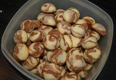 Kdo rád sladké sušenky? Zde je recept na rychlé sušenky do misky třeba do práce nebo do školy, ale také na stůl pro návštěvu. Sušenky jsou s kakaovou příchutí. S těstem se skvěle pracuje a výsledek je super. Tyhle sušenky zvládnou i děti, protože je opravdu jednoduchý. Co budeme potřebovat: 250 g másla 130 g …