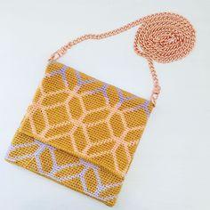 "Alex from Vienna auf Instagram: ""My first crossbody bag is ready, so proud of it 💕 #crochet #crocheting #crochetlove #crochetaddict #crochetastherapy #craftastherapy…"" The Make, My Bags, Vienna, Straw Bag, Crocheting, Unicorn, Crossbody Bag, Purse, Tapestry"