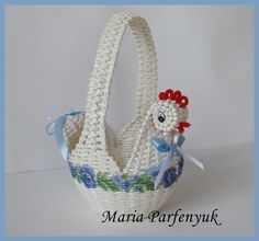 Newspaper Basket, Newspaper Crafts, Sun Paper, Nylon Flowers, Paper Weaving, Art N Craft, Doll Crafts, Diy Projects To Try, Basket Weaving