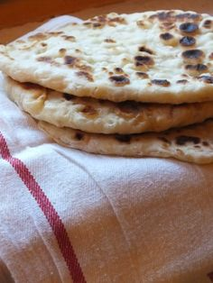 Ízőrző: Naan kenyér Naan, Kenya, Baked Goods, Food And Drink, Bread, Baking, Ethnic Recipes, Brot, Bakken