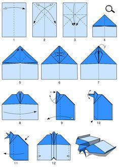 Vlaštovka skládaná z papíru