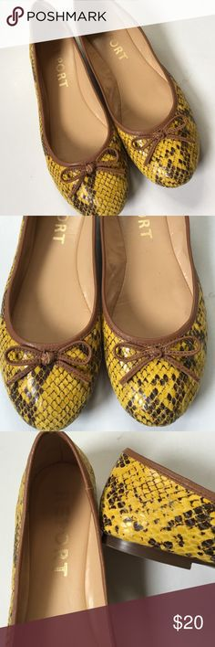 EUC Report leather flats Excellent condition; cute deep yellow and brown snakeskin leather with brown bow. Classic ballerina style flats. Smoke-free/pet-free home. Report Shoes Flats & Loafers