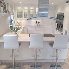 Personalize your home decoration with pretty digital printables. Kitchen Room Design, Luxury Kitchen Design, Home Decor Kitchen, Kitchen Interior, New Kitchen, Beautiful Kitchens, Cool Kitchens, Open Plan Kitchen Dining, Küchen Design