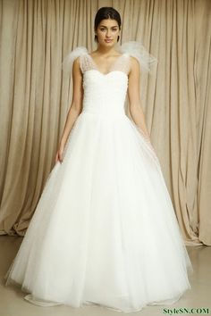 Oscar de la Renta Fall 2014 Bridal Collection wedding idea