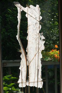 """""""Fensterbild"""", 2016, handgeschöpftes Papier, Gras, 32 x 60 cm, 120,-"""