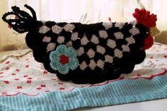 Chicken Potholder Free Crochet Pattern  by Sue-crochetagain.com