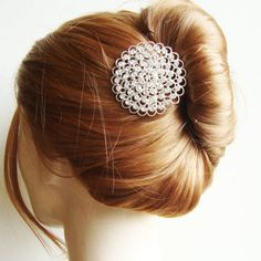 Love the loosely tied French knot with an almost vintage looking hairpin #french #knot #hairpin