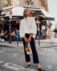 41 Cute Winter Outfit For Street Style To Wear Now Source by winter outfits Rihanna Street Style, Nyc Street Style, Printemps Street Style, Model Street Style, Street Mall, Street Style Summer, Street Styles, European Street Style, Italian Street Style