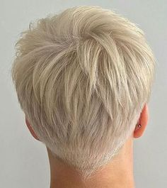 35 Best Short Pixie Haircuts for 2019 - Page 24 of 35 - Hairstyle Zone X - Pixies - Haare und Make-up Short Grey Hair, Short Hair Cuts For Women, Long Hair Cuts, Short Hairstyles For Women, Short Hair Styles, Short Pixie Cuts, Pixie Haircut For Thick Hair, Super Short Hair, Simple Hairstyles