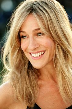 sarah jessica parker failure to launch hair ♥ Long Face Haircuts, Haircuts For Long Hair With Layers, Oval Face Hairstyles, Long Layered Hair, Cool Haircuts, Hairstyles With Bangs, Cool Hairstyles, Haircut For Long Face, Blonde Hairstyles