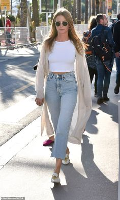 Millie Mackintosh cuts a casual figure as she steps out in Cannes The former Made In Chelsea star, flashed a glimpse of her slim waist as she was spotted in Cannes, France on Wednesday. Heels Outfits, Crop Top Outfits, Trendy Outfits, Summer Outfits, White Crop Top Outfit, Cropped Jeans Outfit, Denim Outfit, Crop Jeans, Millie Mackintosh Outfits